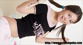 アジア ユーラシア美少女シリーズ クリが超感じるパイパン美巨乳娘エイプリルちゃんのエッチな姿 エイプリル 3