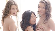 美少女達と貧り狂う究極の贅沢4Pファック LUXURIOUS 金8アジア同時配信